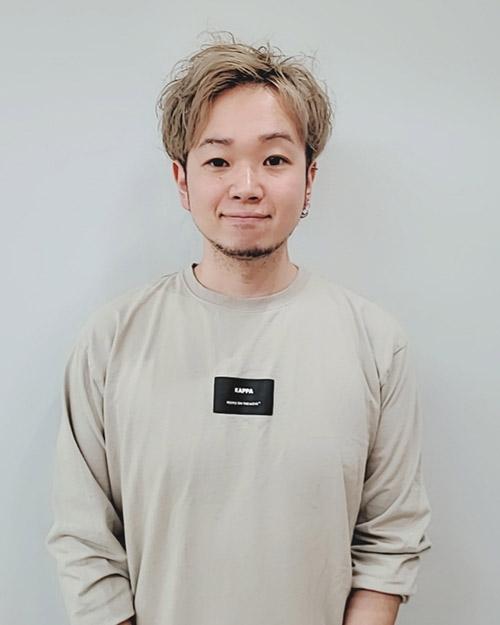 前中 薫博